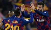 Các ngôi sao Barcelona đồng ý giảm lương trong mùa dịch Covid-19.