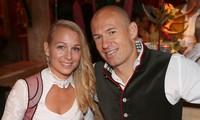 Arjen Robben và cô vợ xinh đẹp Bernadien Eillert.