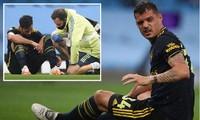 Cả Granit Xhaka và Mari đều dính chấn thương trong trận đấu với Man City.