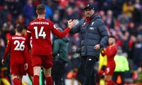 Liverpool đánh bại Chelsea 5-3 trong ngày nâng cao chức vô địch Premier League.