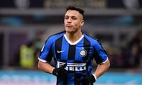 Alexis Sanchez đang nhận mức lương lên tới 560.000 bảng/tuần.