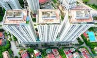 Khu chung cư CT4 với 3 khối nhà hàng nghìn căn hộ tại KĐT Xa La nằm trong danh sách 17 chung cư khó có khả năng khắc phục vi phạm PCCC. Khu chung cư này cũng từng xảy ra vụ cháy kinh hoàng thêu rụi hàng trăm xe máy của dân.