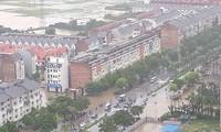 'Làng' biệt thự triệu đô Hà Nội chìm trong biển nước