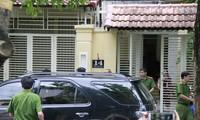 Lực lượng công an rời khỏi nhà ông Huỳnh Tấn Lộc tại số 14 Thanh Sơn, Đà Nẵng chiều ngày 9/8.