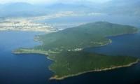 Bán đảo Sơn Trà nhìn từ trên cao. Ảnh: X.Đ
