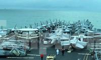 Chiến đấu cơ san sát trên tàu sân bay USS Theodore Roosevelt