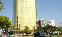 Yêu cầu 2 cao ốc 'dát vàng' gây chói mắt phải khắc phục tại Đà Nẵng