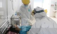 Các y bác sĩ chăm sóc bệnh nhân COVID-19 ở Đà Nẵng hồi tháng 3/2020. Ảnh: Nguyễn Thành