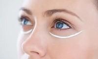 """Vùng da quanh mắt nhạy cảm như một cô nàng """"khó chiều"""", bạn đã biết cách chăm chút?"""