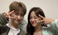 """Kim Sejeong bình luận vô tư cỡ nào với Yoon Jisung mà khiến netizen """"đọc muốn đỏ mặt""""?"""