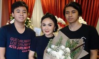 Sao nữ châu Á gây sốc khi rủ con trai cùng xem phim người lớn với lý do không thể tin nổi