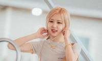 Một chi tiết trong show mới của Rosé khiến netizen nhói lòng nhớ về quá khứ của BLACKPINK