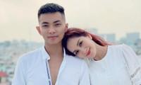 Vợ chồng Khánh Thi, Phan Hiển có hành động trái ngược trên mạng, rốt cuộc là có chuyện gì?