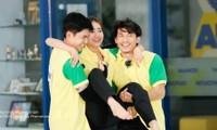 Khán giả đỏ mặt với 'bàn tay hư hỏng' của Jun Phạm khi chơi gameshow với Lan Ngọc