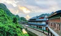 """Khu suối khoáng Onsen """"độc nhất vô nhị"""" ở Việt Nam: Đẹp và xịn như Nhật Bản, vừa mở đã kín"""