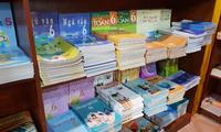 Nhiều học sinh chưa có sách giáo khoa, NXB Giáo dục đảm bảo sẽ in gấp để cung cấp đủ sách