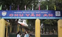 Khi nào trường THPT Kim Liên, Chu Văn An, Phan Đình Phùng tự chủ tài chính, tăng học phí?