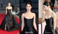 Khoe vòng 1 táo bạo nhưng Seo Ye Ji lại lộ rõ sự thiếu tự tin qua hành động này