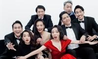 """""""Tiệc Trăng Máu"""": Từ bộ phim """"chạy trốn dịch COVID-19"""" đến ngôi vương phòng vé Việt 2020"""