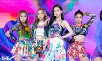 Netizen phát hiện một điểm khiến sân khấu debut của aespa khác hẳn các nhóm nữ SM khác