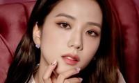"""Nhìn lại """"lục đại tạp chí"""" mà Jisoo đã mở khóa thành công: Ngày càng lên hương nhan sắc"""