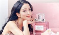 """Chỉ bằng một câu trả lời, Jisoo khiến netizen đồng loạt cảm thán: """"Đã xinh đẹp còn thông minh"""""""