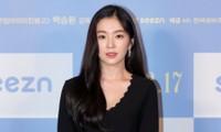 """Irene thể hiện thế nào trong buổi ra mắt phim mà bị chê """"không có khí chất diễn viên""""?"""
