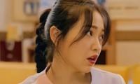"""Sau Jennie (BLACKPINK), tới lượt Yeri (Red Velvet) nhận """"gạch đá"""" chỉ vì mặc đồ y tá lệch chuẩn"""