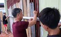 Thứ trưởng Bộ NN&PTNT Nguyễn Hoàng Hiệp yêu cầu các địa phương, lực lượng yêu cầu người dân trên chòi, lều nuôi trồng thủy sản phải vào nơi trú tránh bão trước 15 giờ hôm nay.
