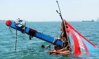 Ca nô phía Trung Quốc đã ngăn cản hoạt động trục vớt tàu cá của ngư dân Việt Nam bị chìm ở quần đảo Hoàng Sa (Ảnh minh họa)