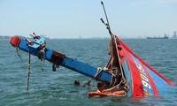 Tàu cá của ngư dân Quảng Ngãi nhiều lần bị tàu Trung Quốc đâm chìm, truy đuổi khi đánh bắt trên vùng biển thuộc chủ quyền của Việt Nam.