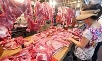 Do thiếu nguồn cung, người tiêu dung vẫn phải mua thịt lợn với giá cao nhất ngưởng
