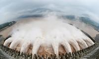 Cơ quan Phòng chống thiên tai Việt Nam cho biết đang theo dõi sát sao tình hình mưa lũ, xả lũ từ các hồ đập phía Trung Quốc