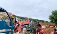 Các lực lượng đang tổ chức tìm kiếm cứu nạn tại vụ sạt lở ở đoàn kinh tế 337 (Quảng Trị)