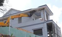Tháo dỡ biệt thự 'khủng' xây trái phép trên núi ở Vũng Tàu