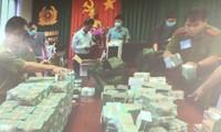 500 cảnh sát vây bắt đường dây làm xăng giả, thu giữ hơn 100 tỷ đồng tiền mặt