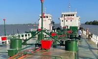 Công an truy bắt 2 tàu bỏ trốn trong chuyên án buôn 200 triệu lít xăng giả, khởi tố thêm 3 bị can