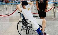 """Karik nẹp chân ngồi xe lăn sau sự cố sân khấu, hứa vẫn có mặt ở concert """"Rap Việt"""""""