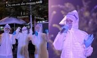 Đức Phúc xúc động khi biểu diễn ở khu cách ly, bối rối vì lần đầu hát qua lớp khẩu trang