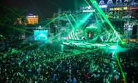 """""""Cuộc đua"""" đêm nhạc Countdown 2021 ở các vùng miền: Nổi bật từ sân khấu đến khách mời"""