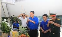 Bí thứ thứ nhất T.Ư Đoàn Lê Quốc Phong tri ân gia đình chính sách tỉnh Tây Ninh