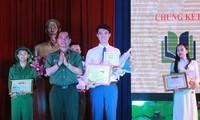 Thí sinh Ngô Anh Tú đoạt quán quân cuộc thi 'Quyển sách tôi yêu'