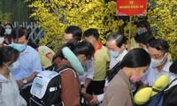 'Chuyến xe mùa xuân - Tết sum vầy' đưa hàng ngàn sinh viên TPHCM về quê ăn Tết