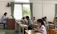 Học sinh TPHCM làm bài thi môn Văn
