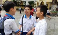 Thí sinh tham dự kỳ bài khảo sát năng lực bằng tiếng Anh tuyển sinh vào lớp 6 Trường THPT chuyên Trần Đại Nghĩa