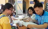 Thí sinh làm thủ tục nhập học tại ĐH Sài Gòn