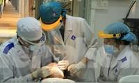 Sinh viên ĐH Y Dược TPHCM thực hành tại trường