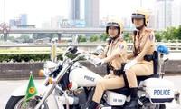 Hàng chục CSGT dẫn đoàn xe buýt lên Nội Bài đón đội U23 Việt Nam