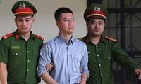 Phan Sào Nam tại tòa.