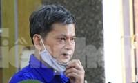 Bị cáo Lò Văn Huynh khai báo lý lịch tại phiên tòa sáng 21/5.